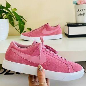 New Nike SB blazer vapor pink sneakers